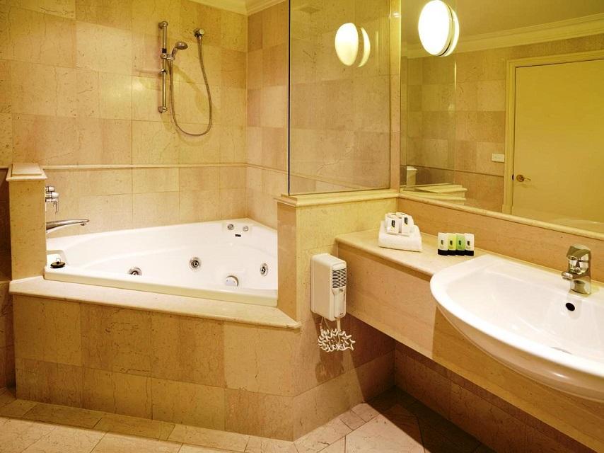 Shower-in-a-Corner-Bath